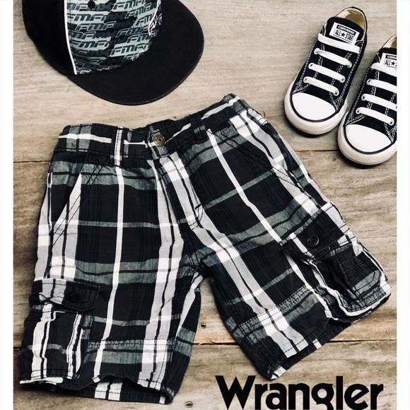 Wrangler Other - Wrangler boys plaid shorts